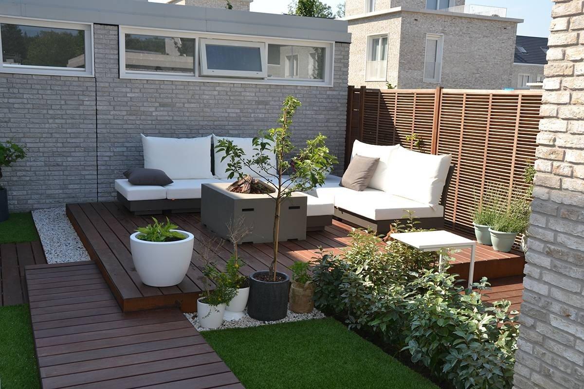 Kleine moderne loungetuin eindhoven hoveniersbedrijf d for Moderne kleine tuin