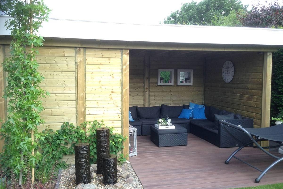 Kleine tuin met houten overkapping nederweert for Moderne tuin met overkapping